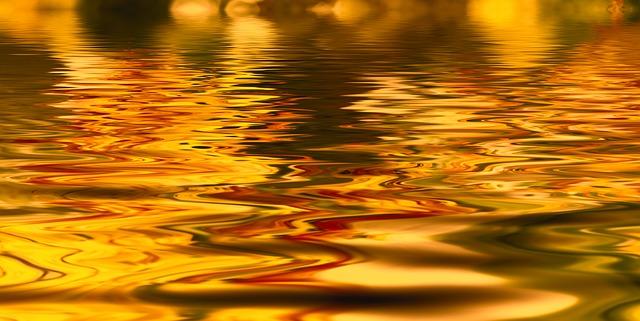 金色の水面