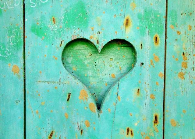 グリーンの木製ボード
