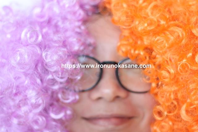 オレンジとパープルのヘアカラー